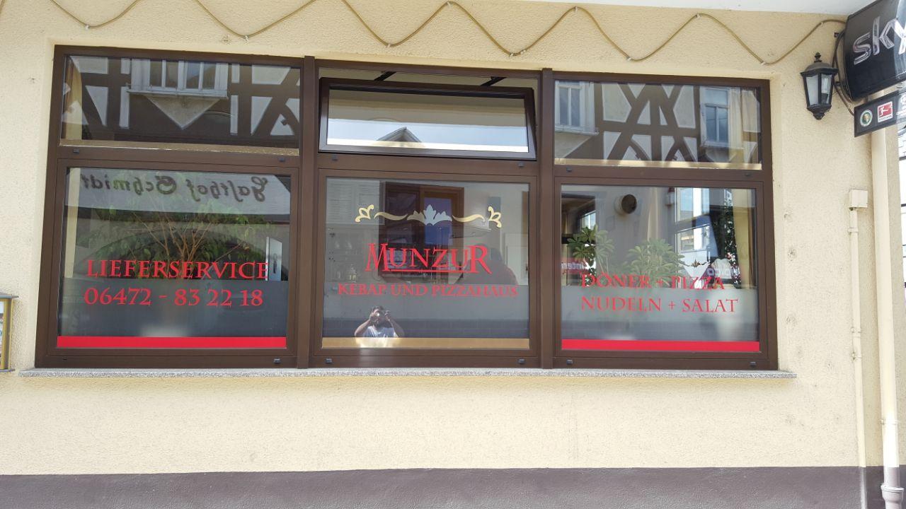 neu schaufensterbeschriftung munzur kebap und pizzahaus weilmünster