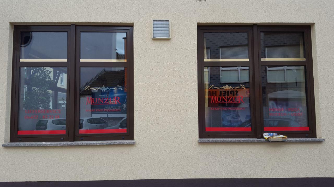 neu schaufensterbeklebung munzur kebap und pizzahaus weilmünster